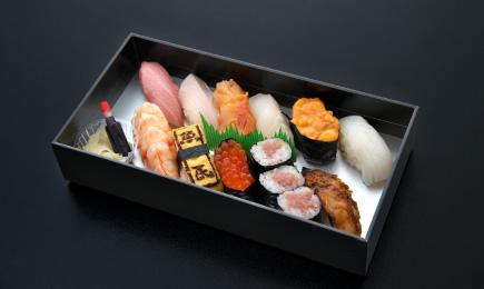 特々上寿司折「朝霧」